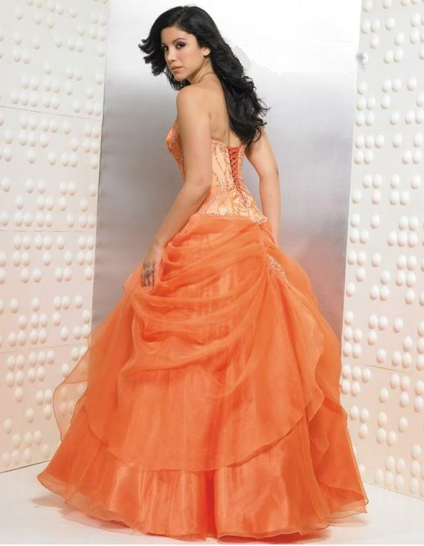plesové šaty » skladem plesové » oranžová. Cena s DPH 3990.00 Kč 73915c1086